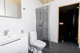 Kylpyhuoneesta saunaan