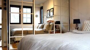Makuuhuoneen liukuovikomerot