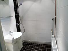 Erittäin kaunis kylpyhuone