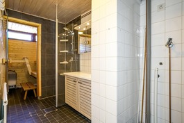 kph ja sauna yläkerrassa