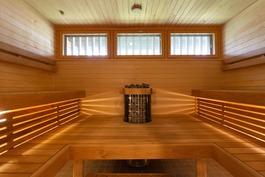 Taloyhtiön pukuhuone/saunatilat