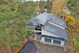 Aninkainen.fi/Raisio, kiinteistövälitys. Sakari Suominen puh. 040 840 7275