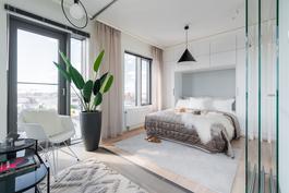 Loiston malliasunto A40 2h+kt 52,0 m2 + viherh.4,5 m2: viherhuone, jossa lasiset siirtoseinät sekä makuuhuone
