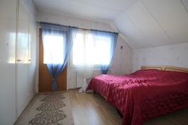 Ýläkerran pienempi makuuhuone