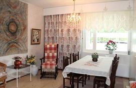 Makuuhuone / ruokailutila