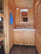 Pukuhuonetila ennen saunaa