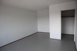 Huone ja alkovi
