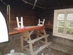 Vanha sauna ulkorakennuksessa