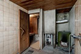kellarikerroksen vanha sauna