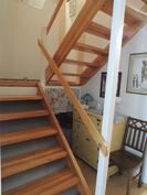 Portaat yläkertaan ovat avoinaiset