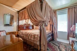 3. makuuhuone, josta käynti terassille