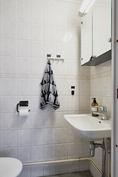 Alakerran erillinen wc lisää asunnon käyttömukavuutta