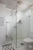 Kaikki kylpyhuoneet on varusteltu laadukkaasti