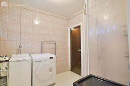 Pesuhuoneessa hyvät tilat pyykkihuoltoon