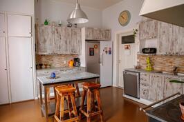 alakerran toinen keittiö