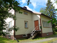 Talo Hauralantien ja Viskurintien kulmassa