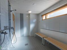 Taloyhtiön saunaosastoa