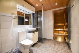 Pesuhuonetta remontoitu ja kalusteita uusittu