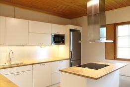 uusittu Korona-keittiö