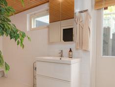 Kylpyhuone ja uloskäynti