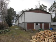 saunan polttopuuta tehtynä