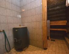 Vedenlämmitys: muurinpata, lattialämmitys
