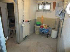 Pesuhuone ja sauna kellarikerroksessa