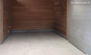 Pesuhuoneen ja saunan lattiaan ja seinään iso 60 x 60 laatta