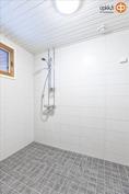 yläkerran suihkuhuone