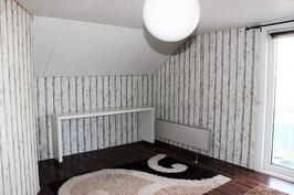 Makuuhuone 3 / yläkerta