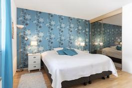 Master bedroom makuuhuone1