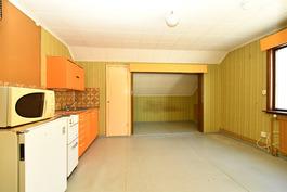 Yläkerran 1 keittiö