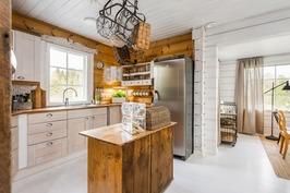 Maalaisromantiikkaa keittiössä