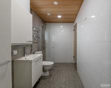 Pesuhuoneesta