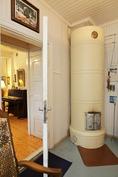 alakerran pikkuhuoneen pönttöuuni