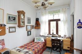 alakerran pikkuhuone