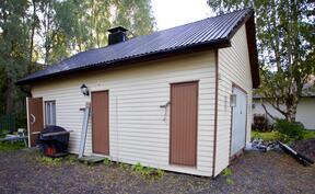 Ulkorakennus/sauna/autotalli