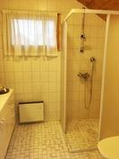 Yläkerran kylpyhuoneesta