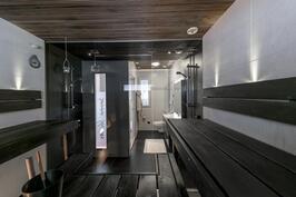 Tason 5 kylpyhuone ja sauna