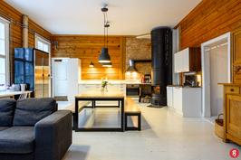 Kaunis olohuoen/keittiötila