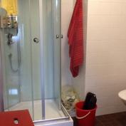 Kylpyhuoneen suihkukaappi