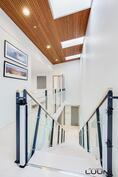 portaat yläkerrasta katsottuna
