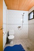 Alakerran wc / pesuhuone