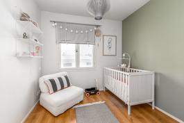 Makuuhuone 2/Lastenhuone.