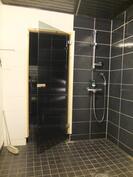 Klpyhuoneen suihkunurkkaus