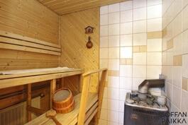 Sauna remontoitu 2004