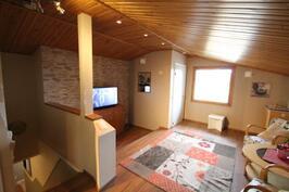 Yläkerran olohuone/ aula