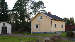 Talo kadulta katsottuna