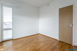 Makuuhuone 1:ssa vaatehuone