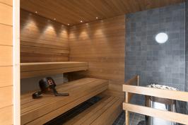 Taloyhtiön uusittu sauna (sijaitsee samassa rapussa)